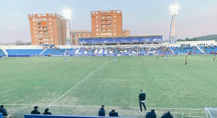 Estadio de Linarejos durante el Linares - Loja