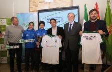 Las autoridades de Diputación y RFAF durante el acto de presentación. Foto: Diputación de Jaén.