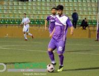 Fran Hernández anota el gol que le da la victoria al Real Jaén en Guadix