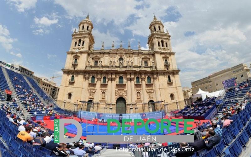Panorámica de la Catedral de Jaén con la pista de World Padel Tour