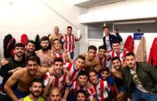 Los jugadores almerienses celebran el triunfo ante la UDC Torredonjimeno. Foto: Poli Almería.