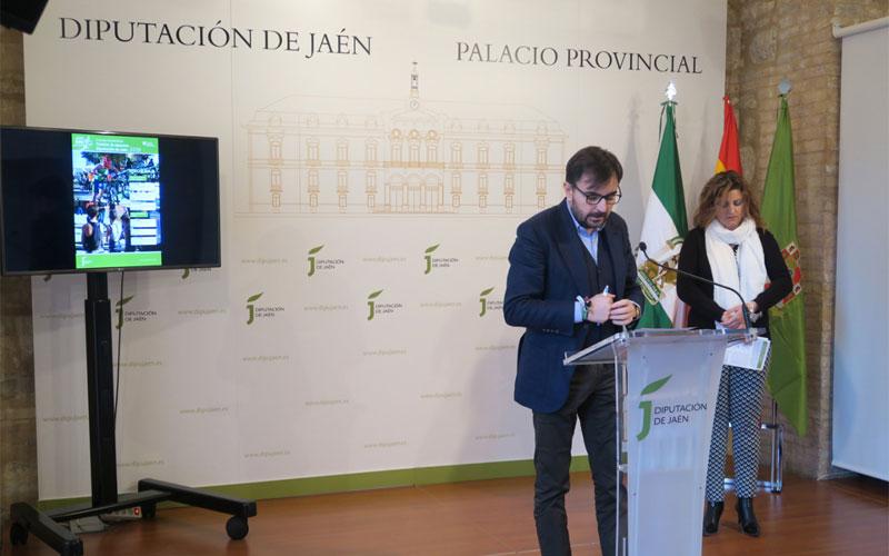 El diputado presenta el Circuito de Triatlón de Menores de Jaén