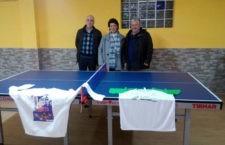 La Asociación Síndrome de Down en Jaén recibe la donación de una mesa de la Federación Andaluza de tenis de mesa