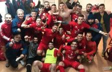 Los de Torres celebran la victoria. Foto: CD Torreperogil.