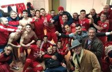 Alegría desbordante entre el equipo que dirige Torres. Foto: CD Torreperogil.