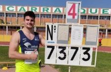 73,33 m fue la marca registrada por el atleta jiennense. Foto: Unicaja Atletismo.