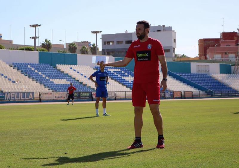 Pedro Bolaños durante un entrenamiento con la Unión Deportiva Melilla
