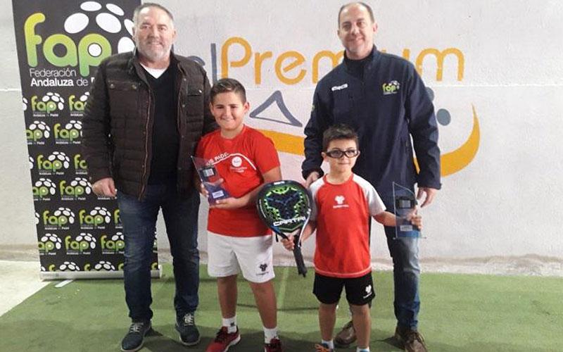 Menores recogen sus premios del Campeonato Provincial de Padel