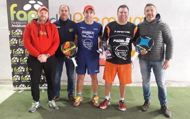 Veteranos recogen sus premios del torneo
