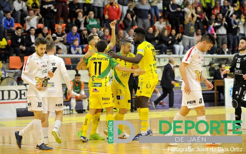 Jugadores del Jaén FS celebran un gol ante Segovia Futal