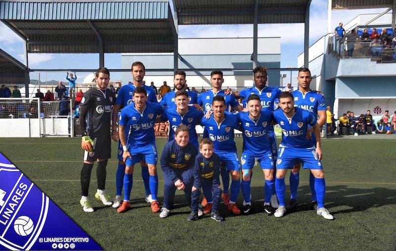 Once inicial del Linares Deportivo frente al Vélez CF