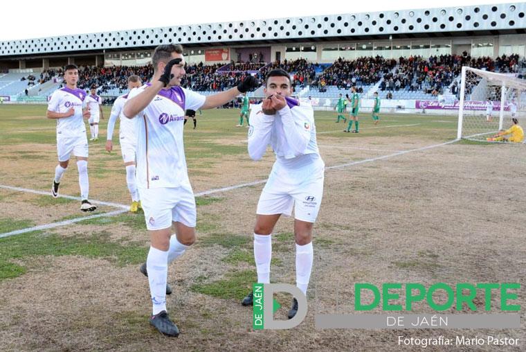 Gol de Manu Alemán, del Real Jaén, frente al Vélez CF.