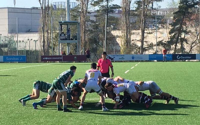 Jugadores de Alcobendas B y Jaén Rugby en una melé