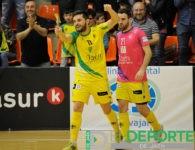 El Jaén da un zarpazo al Peñíscola para continuar firme en la liga