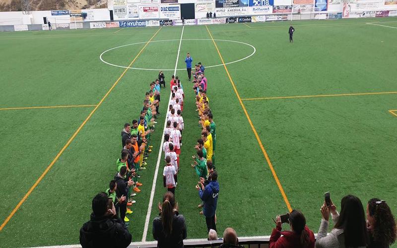 Homenaje al equipo Alevín del Mancha Real por ganar el título de liga