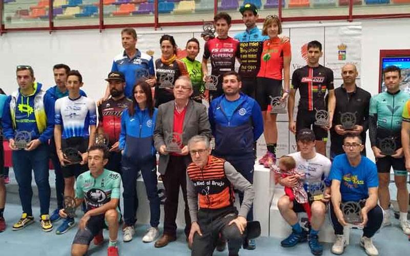 Podio con los ganadores de la prueba de BTT Maratón de Vícar