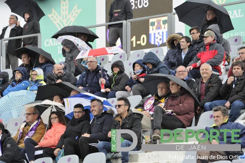 Aficionados del Real Jaén durante el partido ante el Alhaurín de la Torre