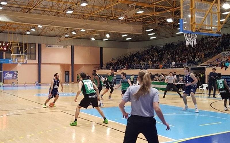 Jugadores del CB Cazorla durante el partido en Algeciras