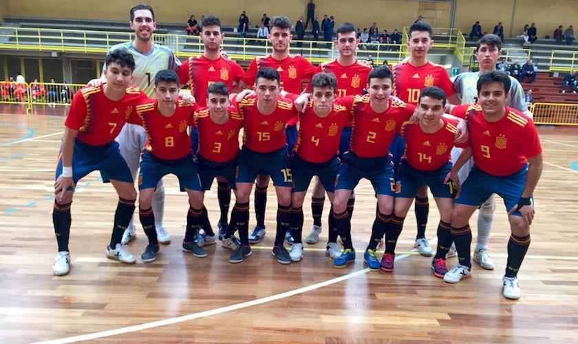 Once inicial de España Sub-19 en el primer partido contra Ucrania.