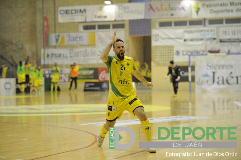 Míchel celebrando un gol con el Jaén FS