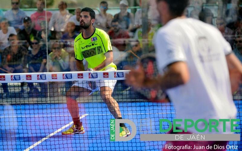 Antonio Luque en un partido del Jaén Open de World Padel Tour