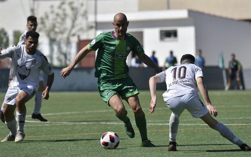 Un jugador del Mancha Real durante un partido