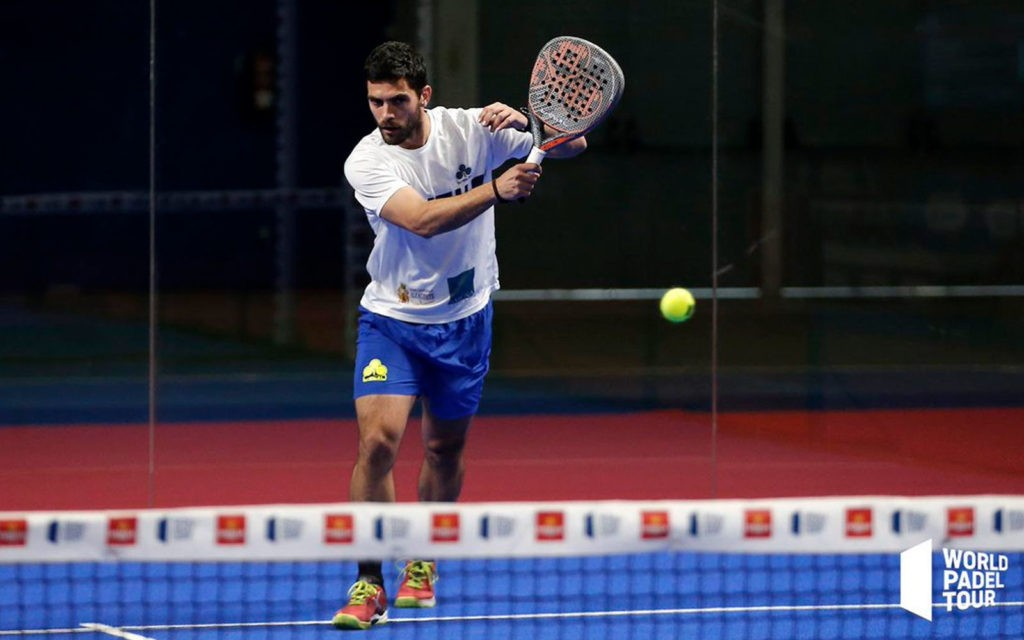 Antonio Luque en un partido de World Padel Tour
