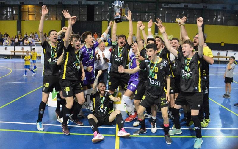 Jugadores del Jaén FS B levantan la Copa Presidente