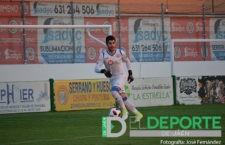 Juanma Olivares seguirá una temporada más como portero de la UDC Torredonjimeno