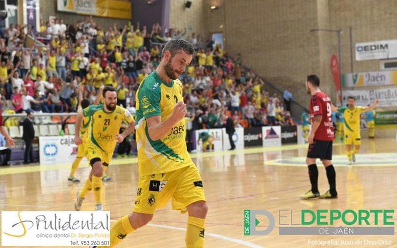 Mauricio celebra un gol con el Jaén FS