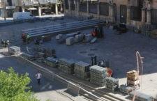 Operarios trabajan ya en la instalación de la pista. Foto: Patronato Deportes Jaén.