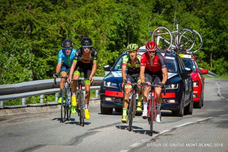 El ciclista jiennense realiza un gran papel en el Tour de Saboya