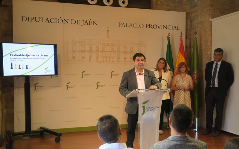 El presidente de la Diputación durante la presentación del evento