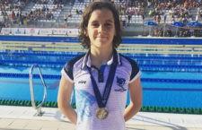 Medalla de oro para la nadadora jiennense. Foto: CN Santo Reino.