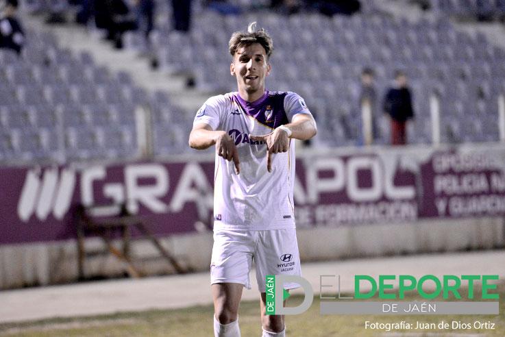 El joven jugador Jorge Vela, en un partido en La Victoria