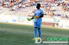 El portero internacional Razak Brimah firma por el Linares Deportivo
