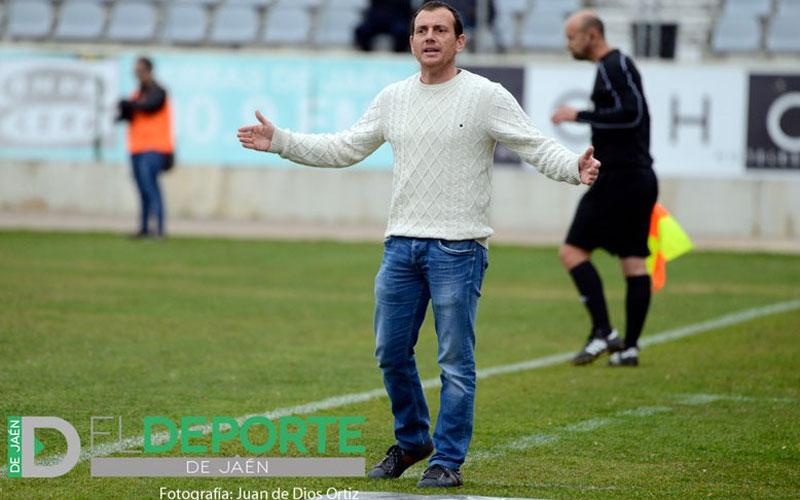 Alberto González como entrenador en La Victoria