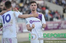 Juanca firma su renovación con el Real Jaén