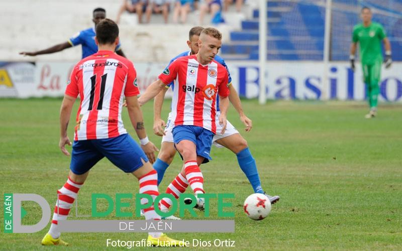 Javi Quesada durante un partido con la UDC Torredonjimeno la pasada temporada