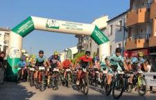 200 ciclistas tomaron la salida. Foto: Fed. And. Ciclismo.