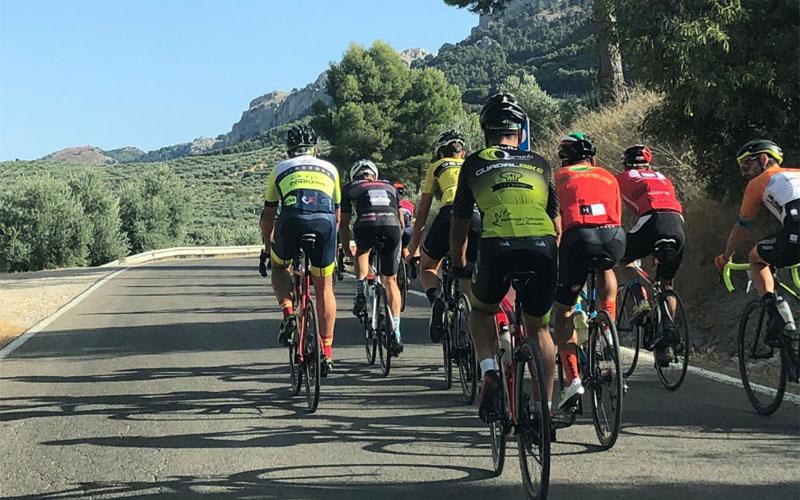 Ciclistas durante la prueba celebrada en Quesada
