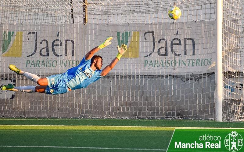 Luis Heredia en un partido con el Atlético Mancha Real