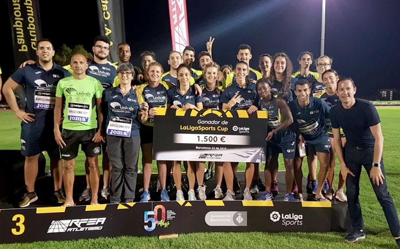 El Unicaja Atletismo celebra la tercera posición de LaLigaSports Cup