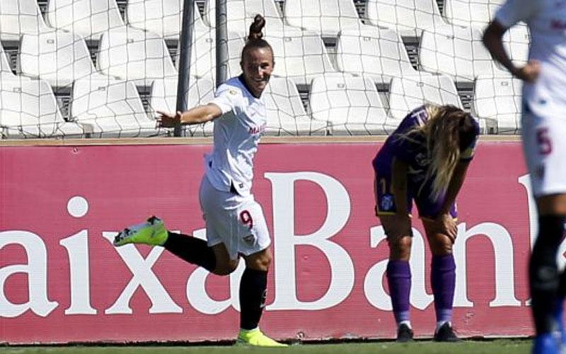 Raque Pinel celebra el cuarto gol sevillista