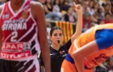 Debut en la máxima categoría para la colegiada linarense. Foto: FAB Jaén.