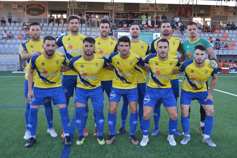 Once del Huétor Tájar durante un partido de esta temporada.