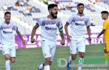 El Real Jaén golea con contundencia al Vélez