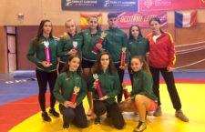 Siete medallas para los jóvenes del Club de Luchas de Torredelcampo en el Internacional de Negrepelisse