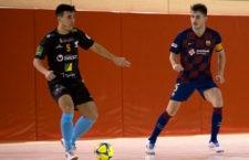 El Mengíbar vence en Barcelona y se coloca líder en Segunda