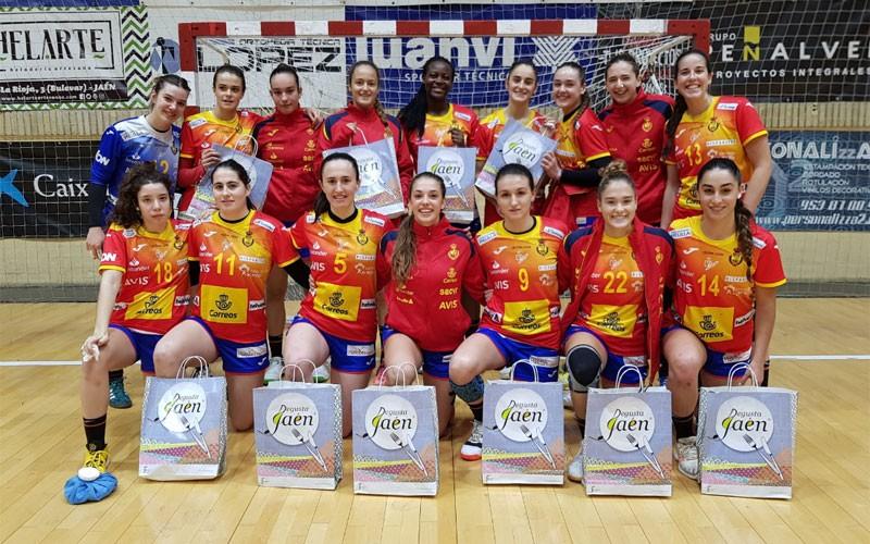 Jugadoras de la selección española femenina de balonmano junior